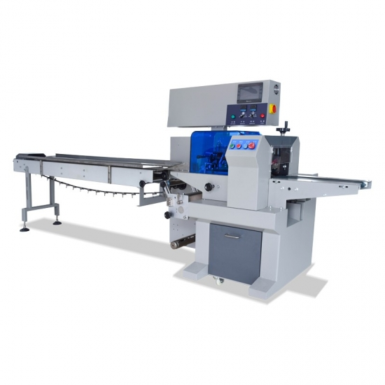 Pastry packaging machine